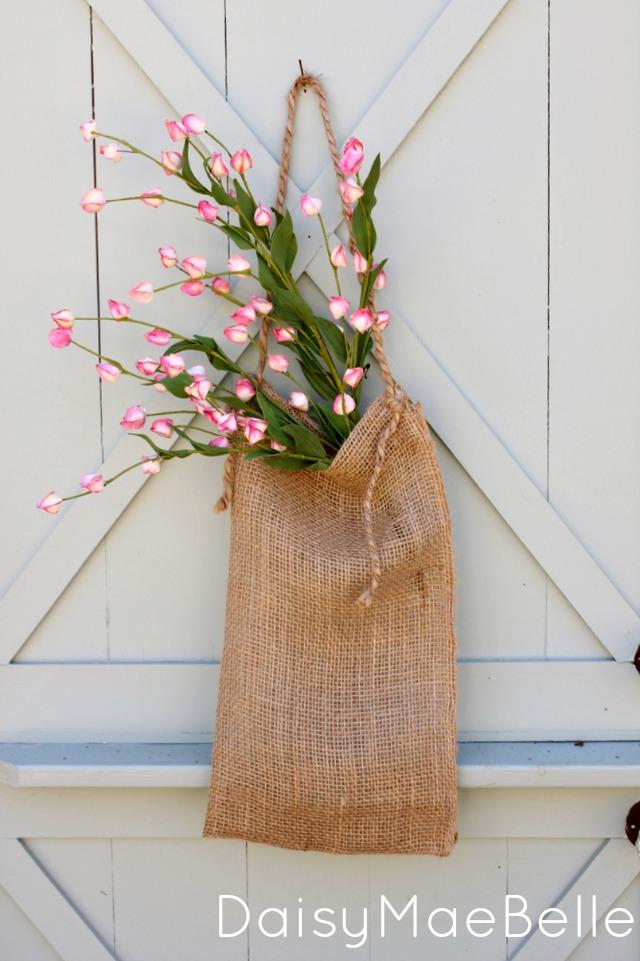 10 spring wreath tutorials for Burlap sack decor