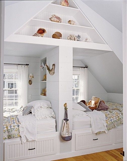Double Bed Nook in Beach Home - Laura Davidson