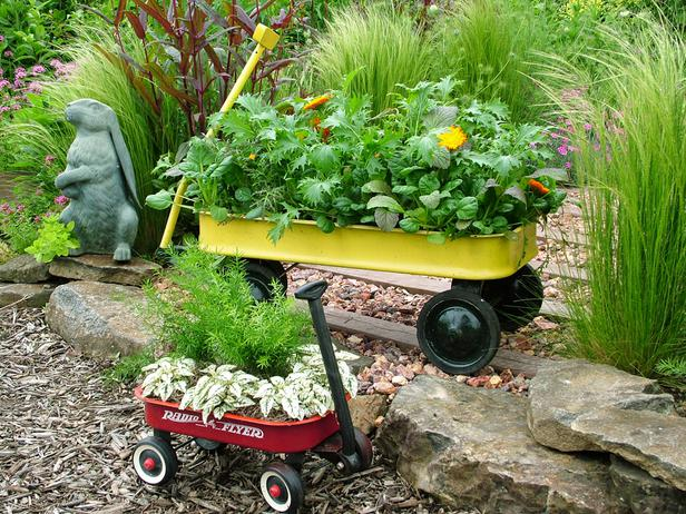 Amazing Creative Containers   Wagon Garden