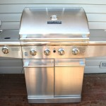 Cleaning a stainless steel grill