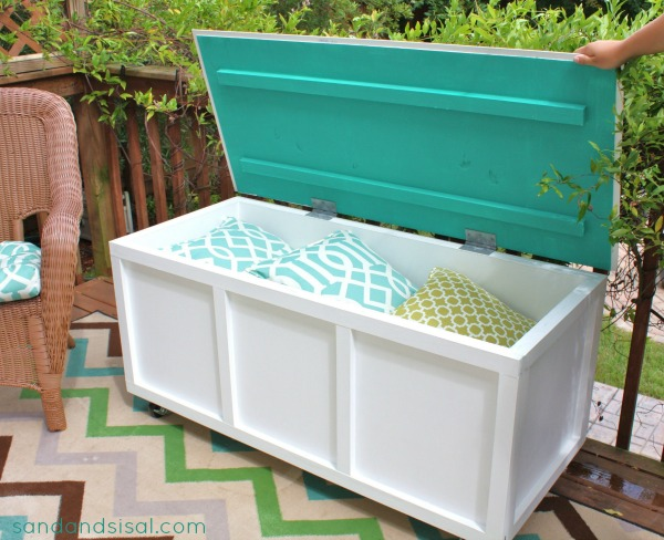 Diy Outdoor Storage Box Bench Sand And Sisal