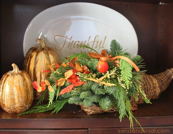 Thanksgiving Cornicopia #PFdecorates