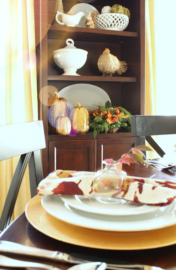 Thanksgiving Hutch #PFdecorates
