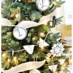 Monogrammed-themed-Christmas-tree-from-atthepicketfence.com_-512x1024