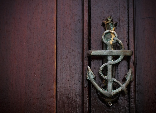 Coastal door knockers sand and sisal - Anchor door knocker ...