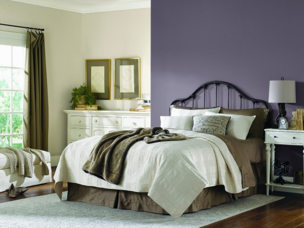 sherwin williams 2014 color of the year exclusive plum 19502 | exclusive plum bedroom2