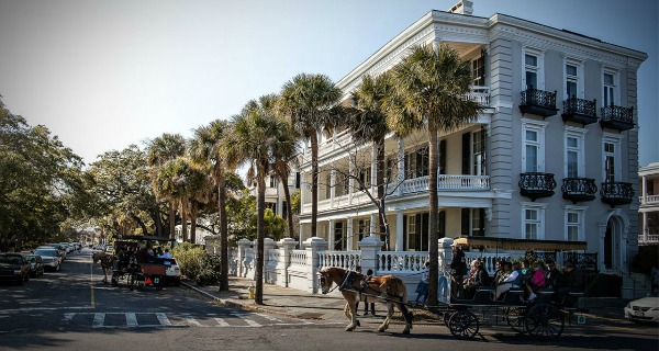 tour Charleston by carriage