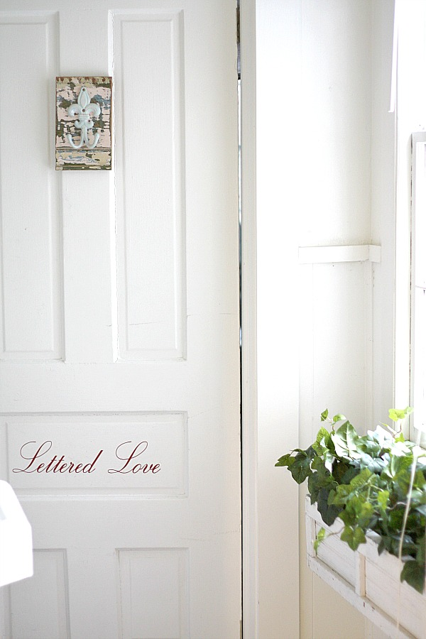 Lettered Love door