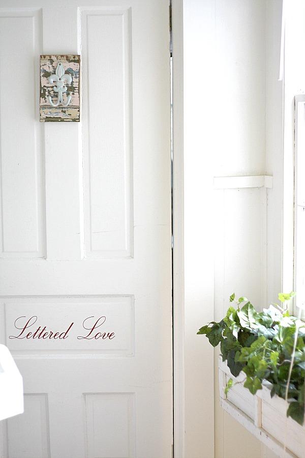 Lettered Love door
