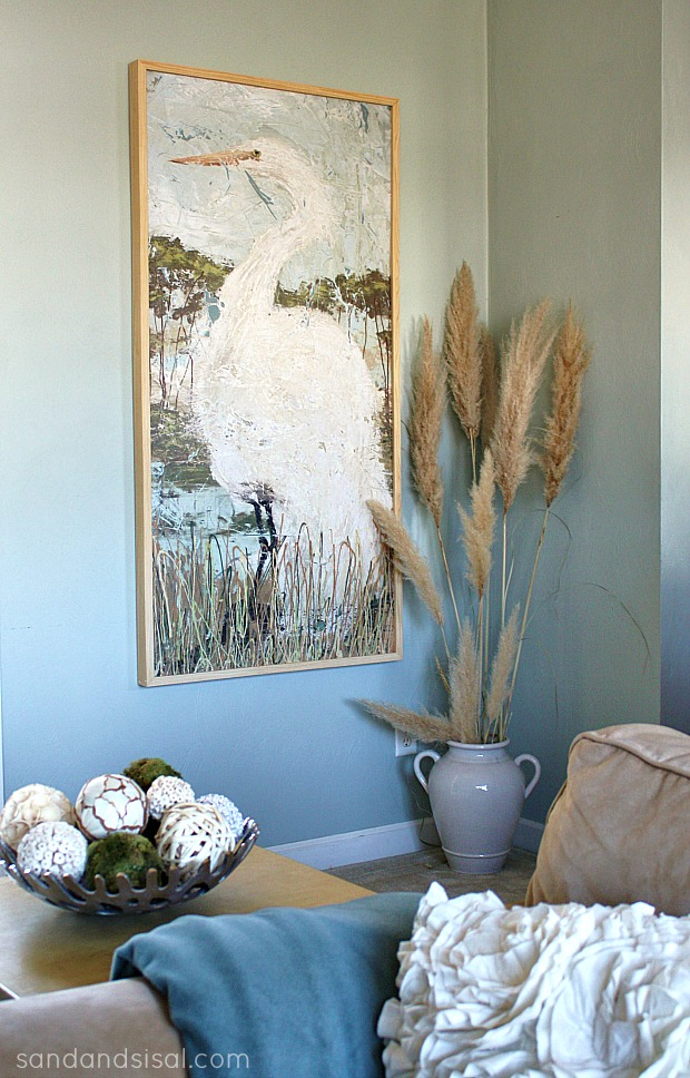 5 Ways to Fill a Blank Wall - White Heron Glicee
