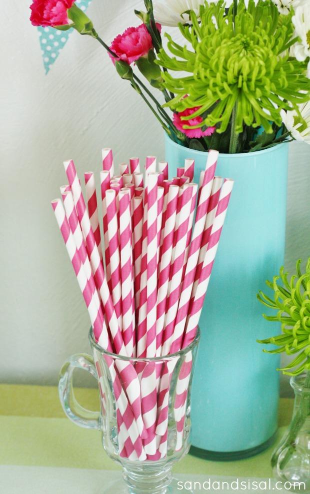 Decorative Straws - Graduation Decor Ideas