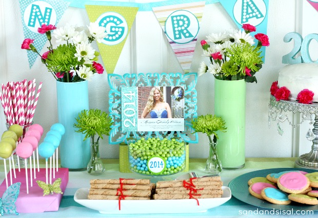 Graduation party ideas sand and sisal for Sisal decoration