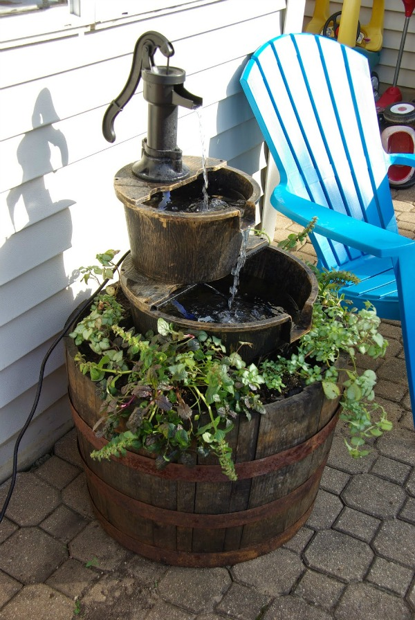 Creative planters outdoor decor page 5 of 7 sand and for Do it yourself water features