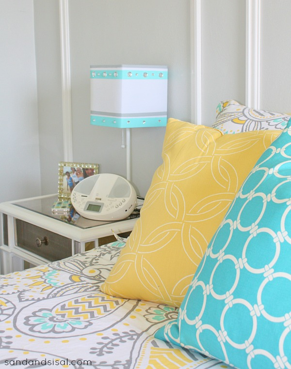Yellow and grey chevron bedding - Gray Yellow Turquoise Room Makeover Hellobeautiful