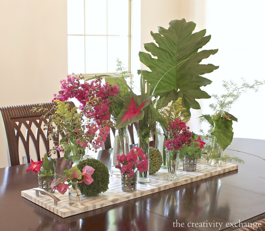 Mix-different-sizes-of-vases-for-yard-clippings-for-a-pretty-summer-arrangement.-The-Creativity-Exchange