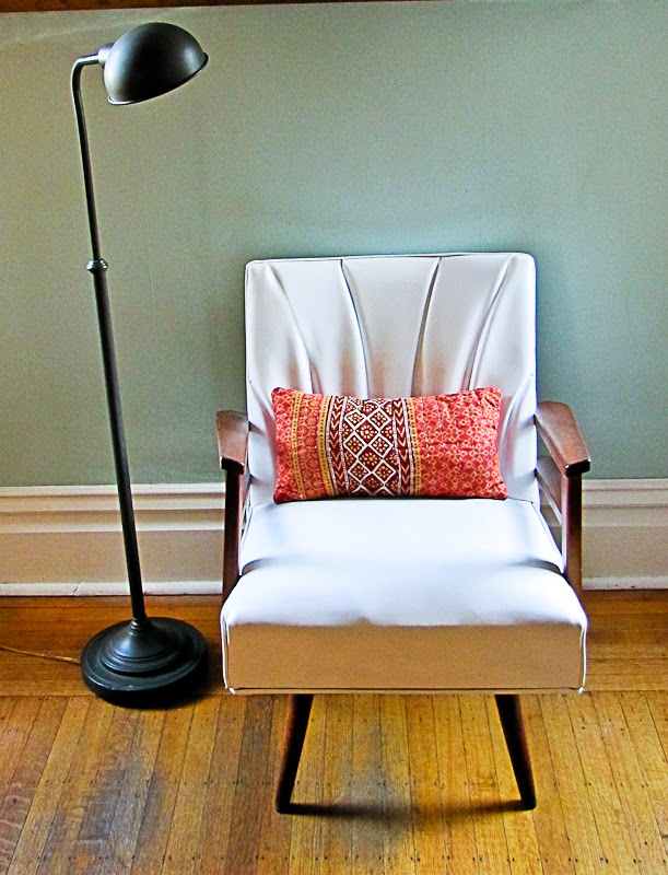 Spray Painted Vinyl Chair Makeover