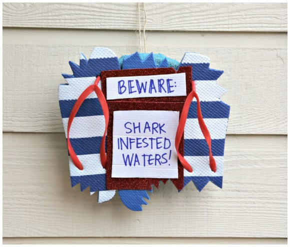 shark-infested-flip-flop-wreath