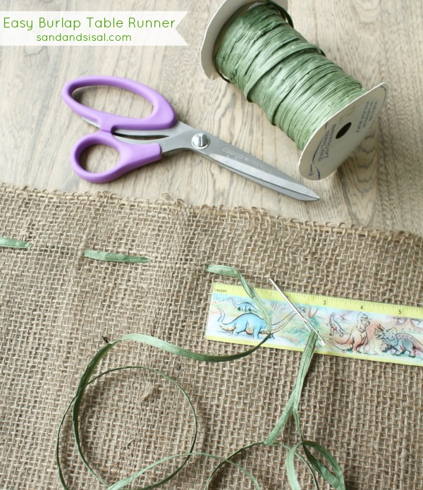 Easy Burlap Table Runner