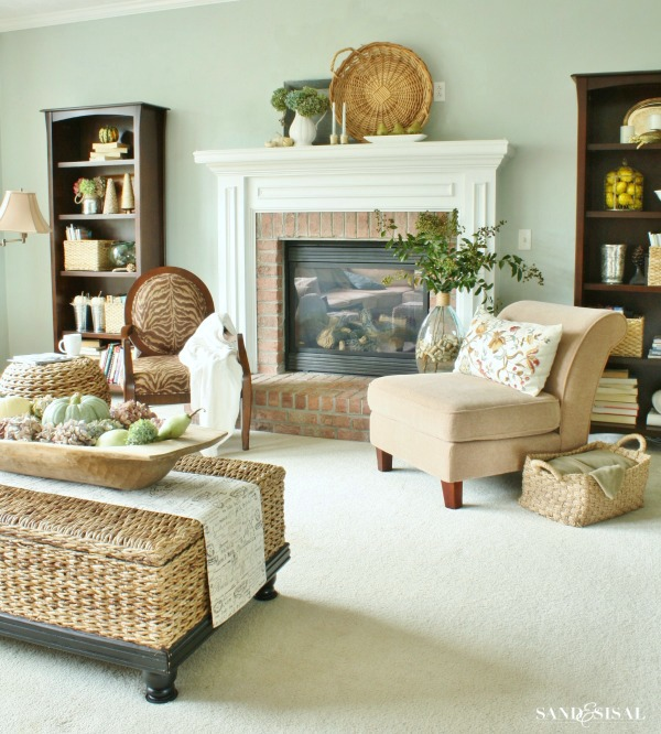 Family room - Decorating for fall