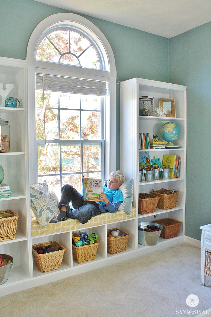 DIY Built In Bookcases With Window Seat