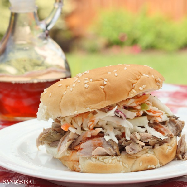 Pulled Pork BBQ with Creamy Coleslaw #texaspete