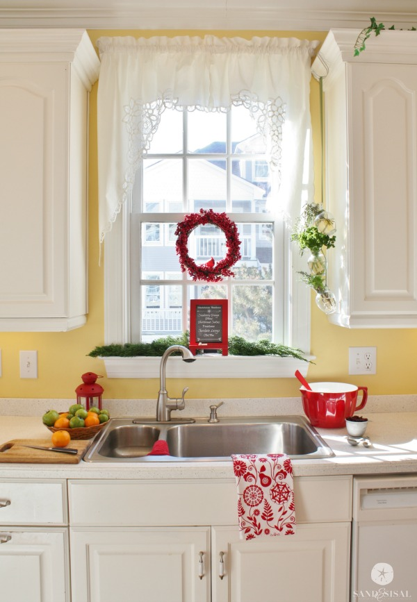 Beach Home Christmas Kitchen Tour 2