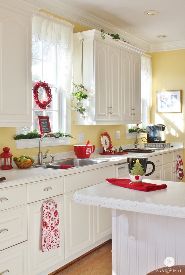 How To Decorate Kitchen Counters For Christmas