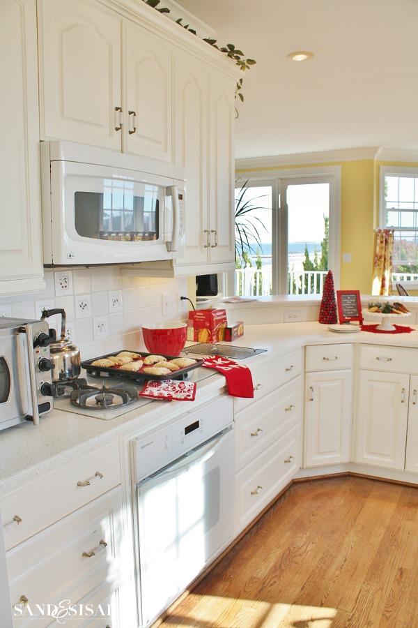 Coastal Christmas Kitchen