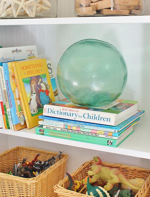 Decorating Playroom Bookshelves 2