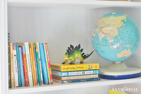 Decorating Playroom Bookshelves