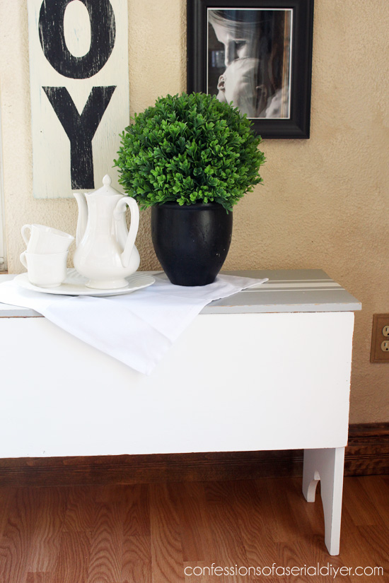 DIY Painted Grain-Sack-Bench