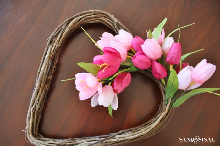 How to make a tulip heart wreath