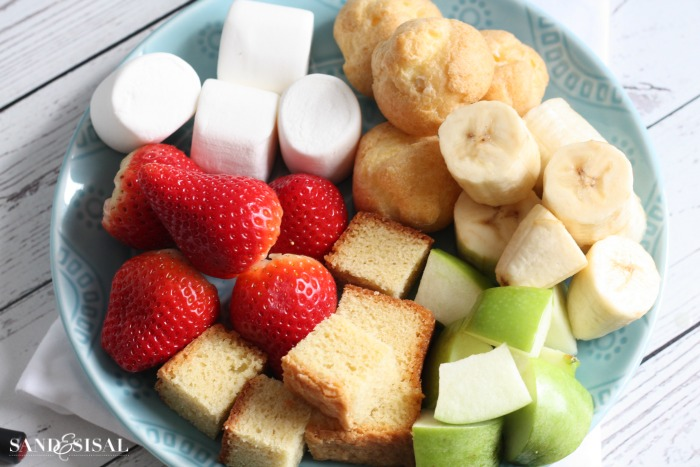 Dipping items for chocolate fondue