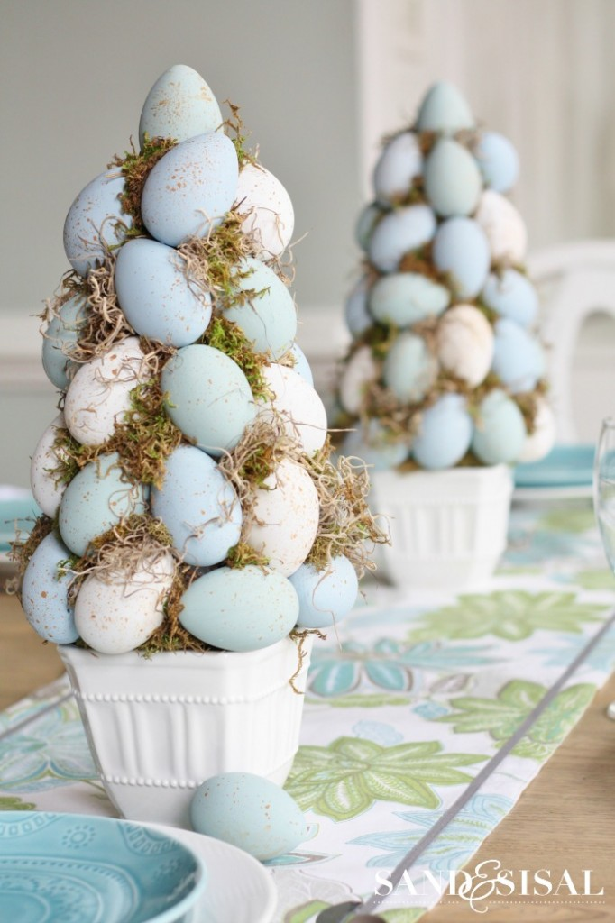 Chalk Paint Easter Egg Topiaries -A Beautiful Easter Centerpiece Idea