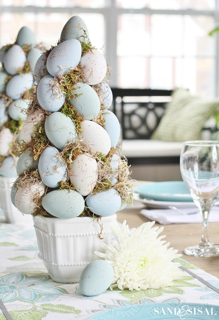 Chalk Paint Easter Egg Topiary Tree - A Beautiful Easter Centerpiece Idea and DIY Easter Decorations