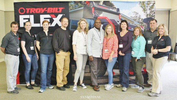 TROY-BILT team + The Saturday 6 bloggers