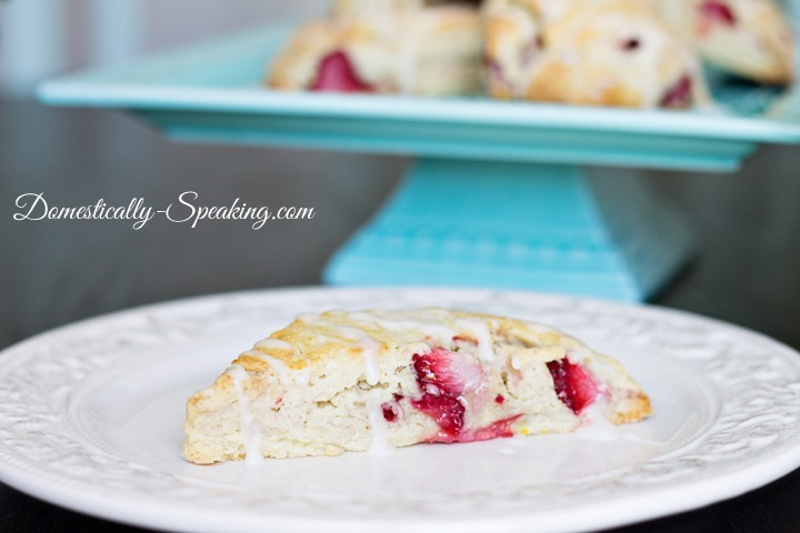 Strawberry-Scone-with-Lemon-Icing-1_thumb
