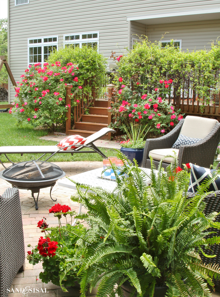 Preparing the Lawn for Fall Outdoor Entertaining