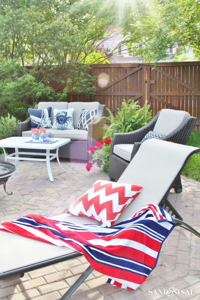 A Red, White, and Blue Coastal Patio on Nautical Patio Ideas id=28036