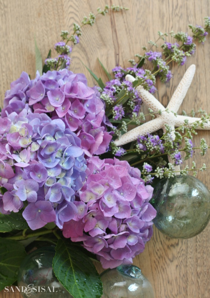 Hydrangea arrangement ideas sand and sisal Floral creations
