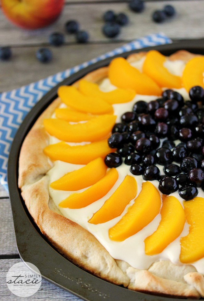 peach-blueberry-pizza
