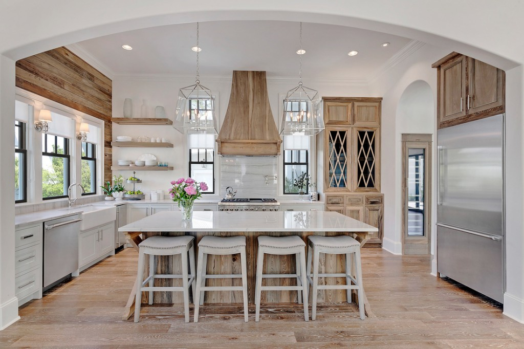 Coastal Kitchen - Old Seagrove Homes