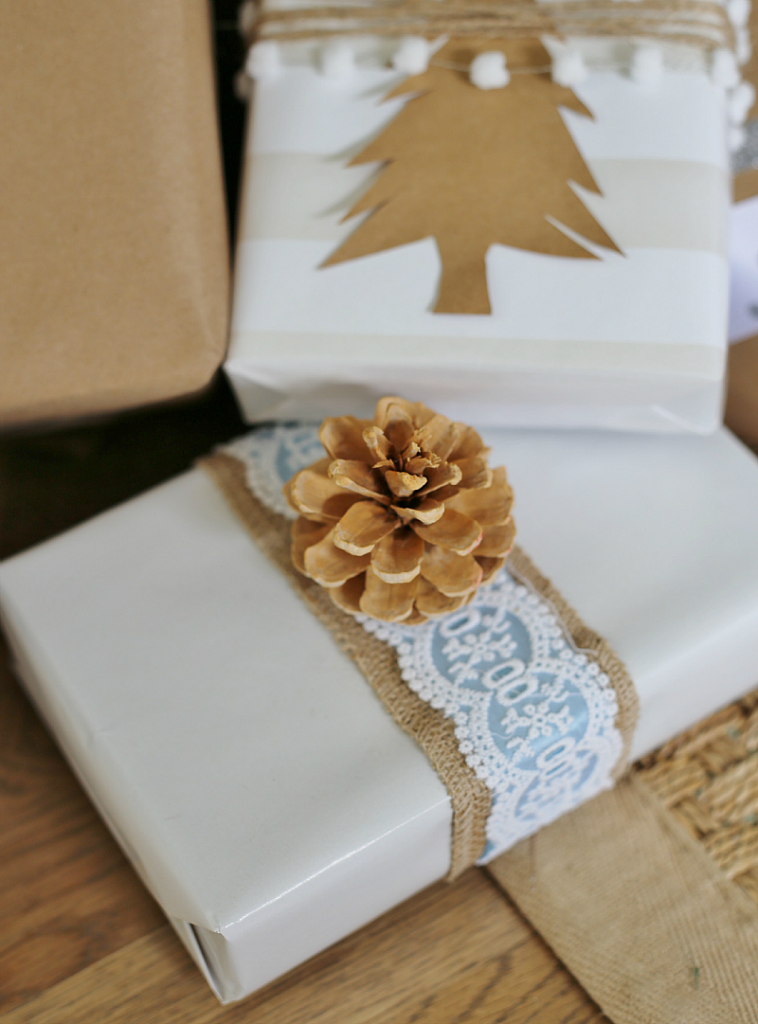 Christmas Gift Wrapping Ideas - burlap and lace + pinecone