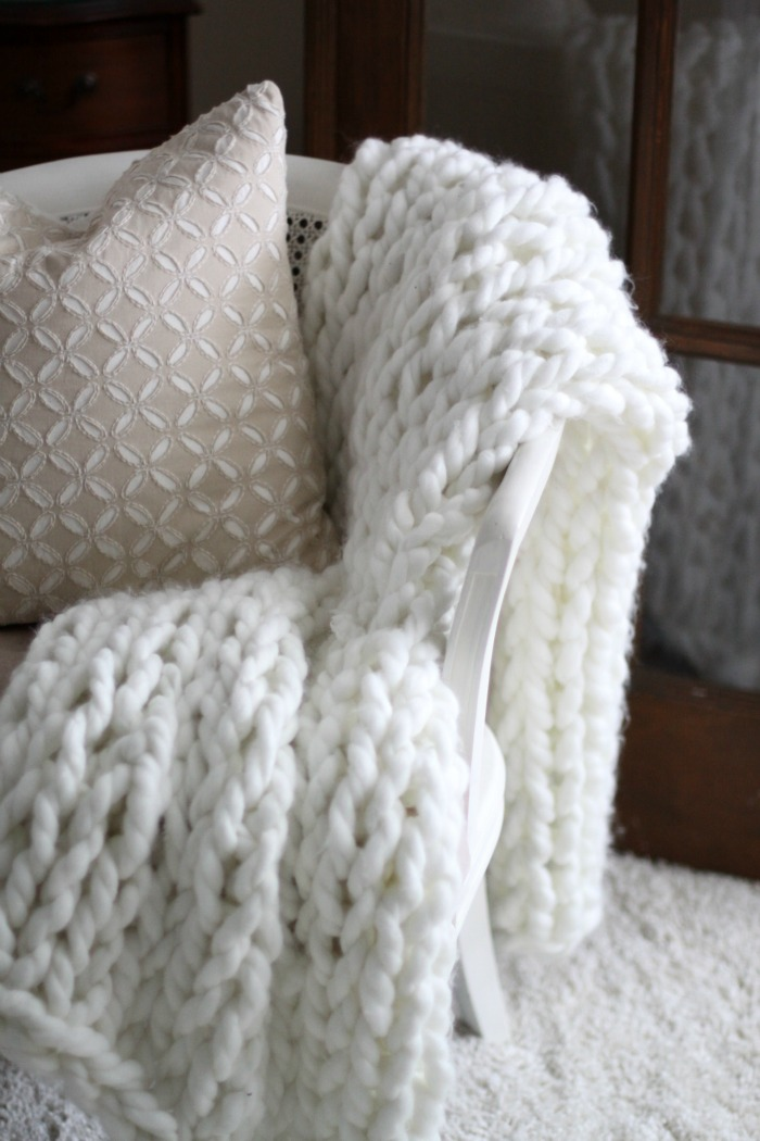 Chunky White Arm Knit Throw