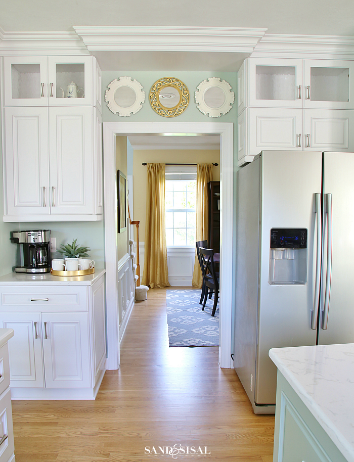 Chic Coastal Kitchen