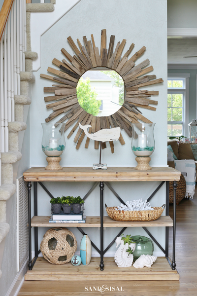 Coastal Cottage - Decorating an Entryway