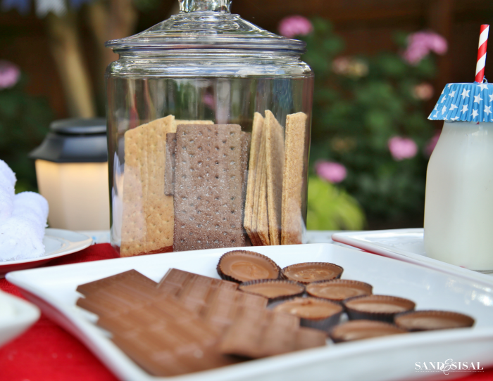 S'mores Bar - Different Flavored Graham Crackers in Jar