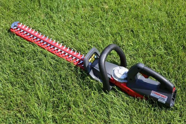 Troy-Bilt CORE Hedge Trimmer - Gifts for DAD