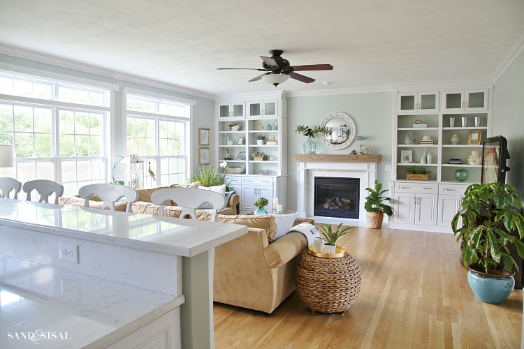 Coastal Familyroom - White Builtin Bookshelves