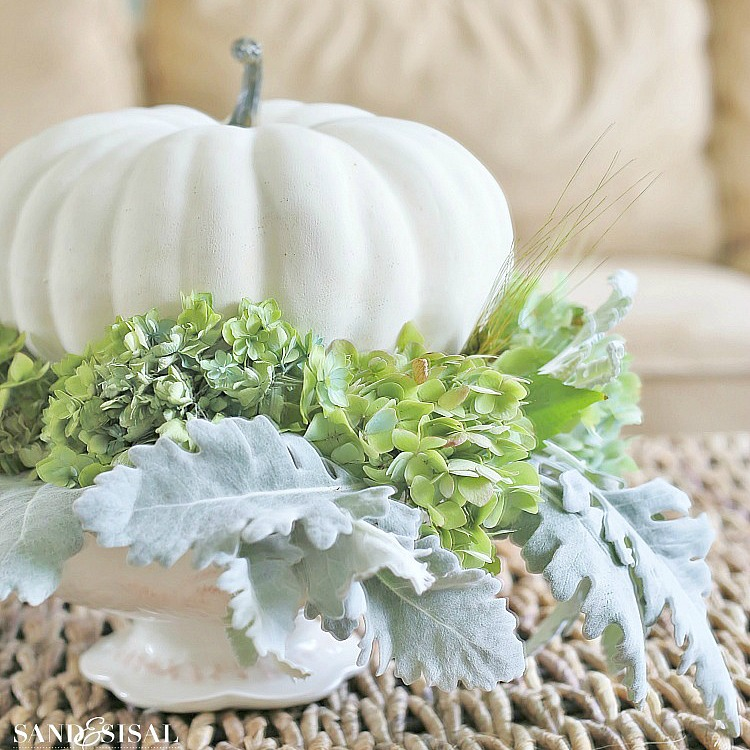 Hydrangea and white pumpkin fall centerpiece sand and sisal for Simple pumpkin centerpieces